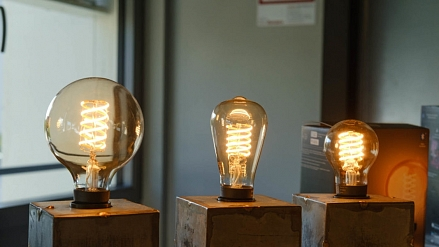 Signify adds filament bulbs to Hue LED lamp lineup