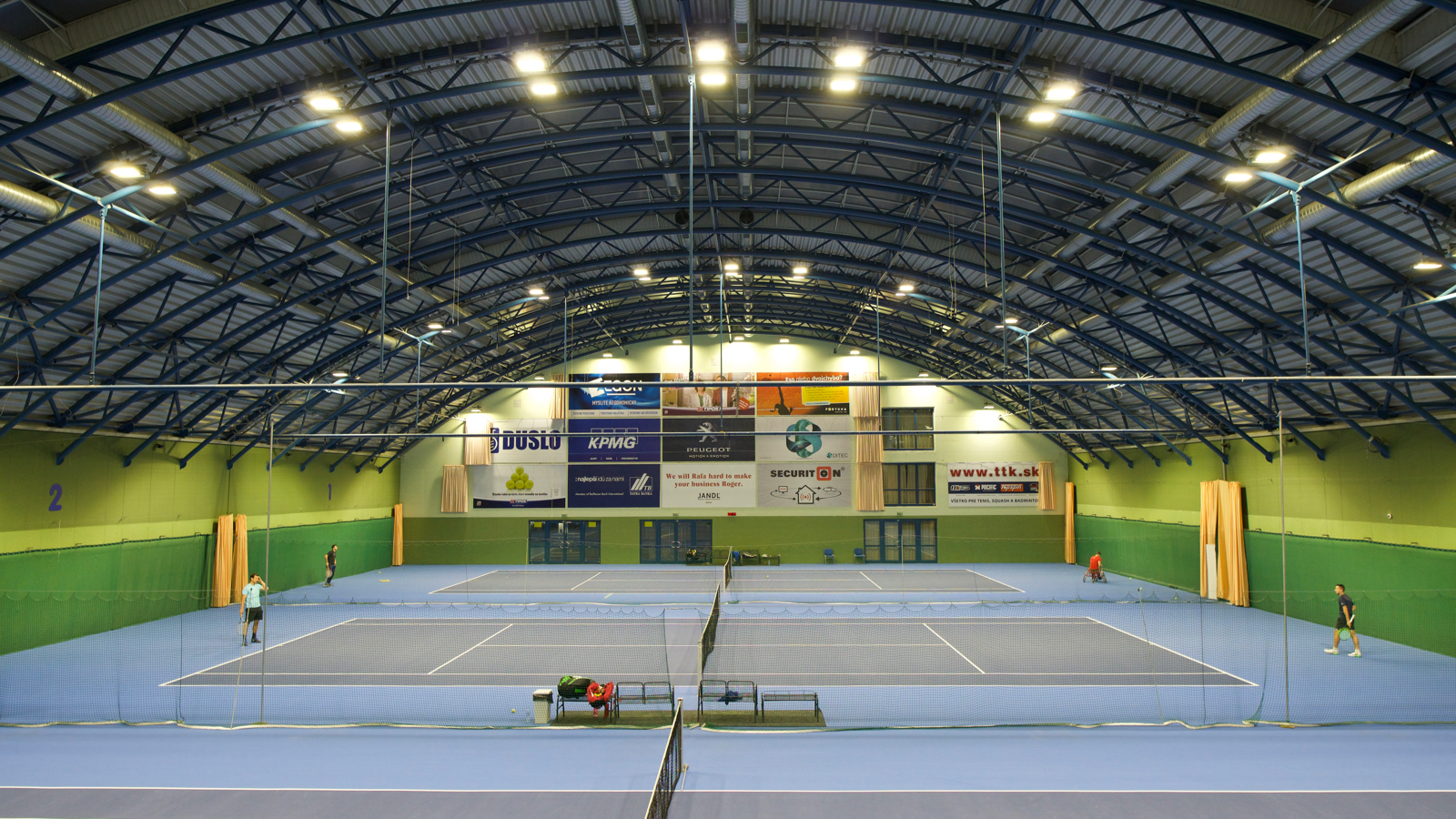 Lighting in sport areas and gyms