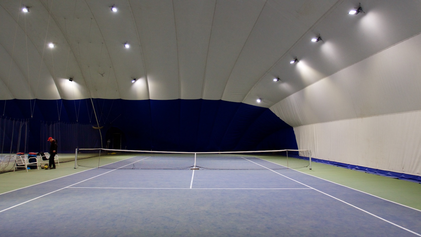 LED lighting modernization in the inflatable tennis hall